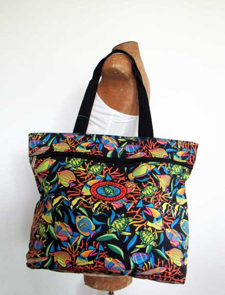 Aquatic Fish Tote side